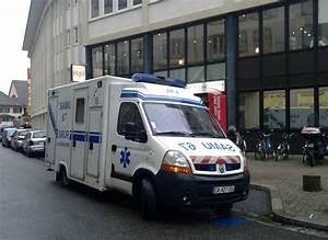 Renault Strasbourg : file renault master smur samu 67 strasbourg octobre wikimedia commons ~ Gottalentnigeria.com Avis de Voitures