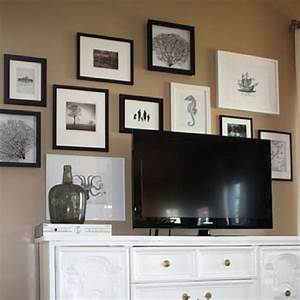 Gallery wall behind tv decorating ideas
