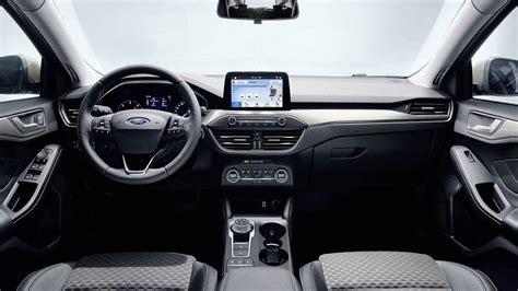 Nuova Ford Focus Interni Ford Focus Vecchia E Nuova A Confronto Motor1 Italia
