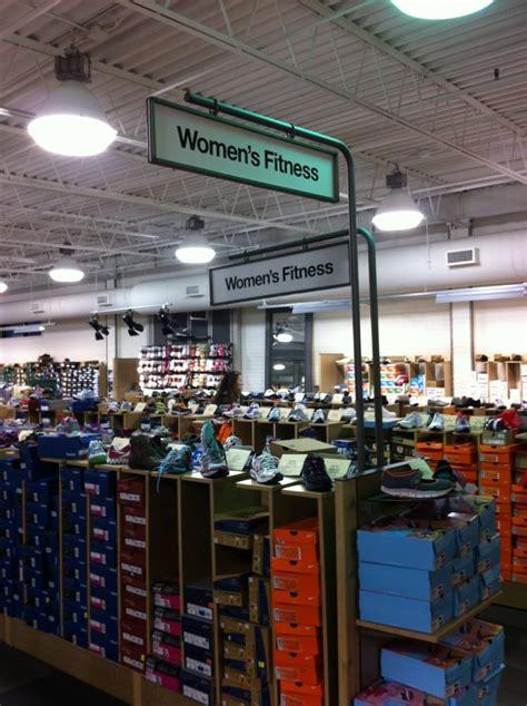 dsw designer shoe warehouse photos for dsw designer shoe warehouse yelp