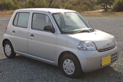 Daihatsu Car : Daihatsu Materia Japanese Car Photos 2008