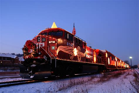 2013 cp holiday train makes its way into western canada