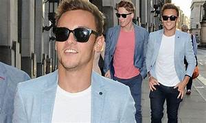 Tom Daley and boyfriend Dustin Black wear matching outfits ...