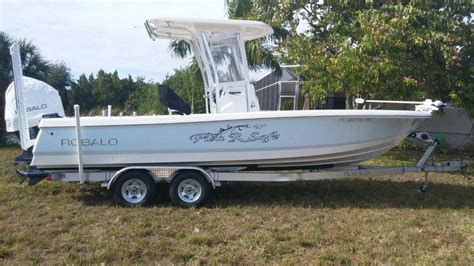 Bay Boats With Front Seating by Robalo Cayman 246 Crevalle 25 Bay Everglades 243 The