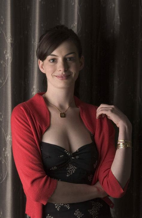 49 sexy Anne Hathaway boobs photos will make your mouth water