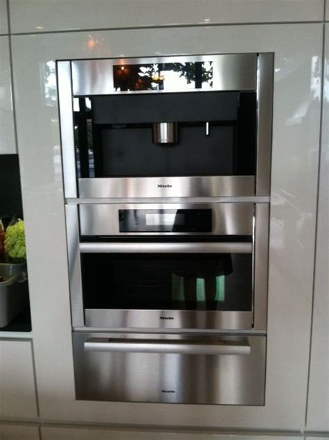 Let's say you want to bake a cake in a conventional oven. Florida Trade Partner kitchen with Miele appliances. We will be using the coffe maker/microwave ...