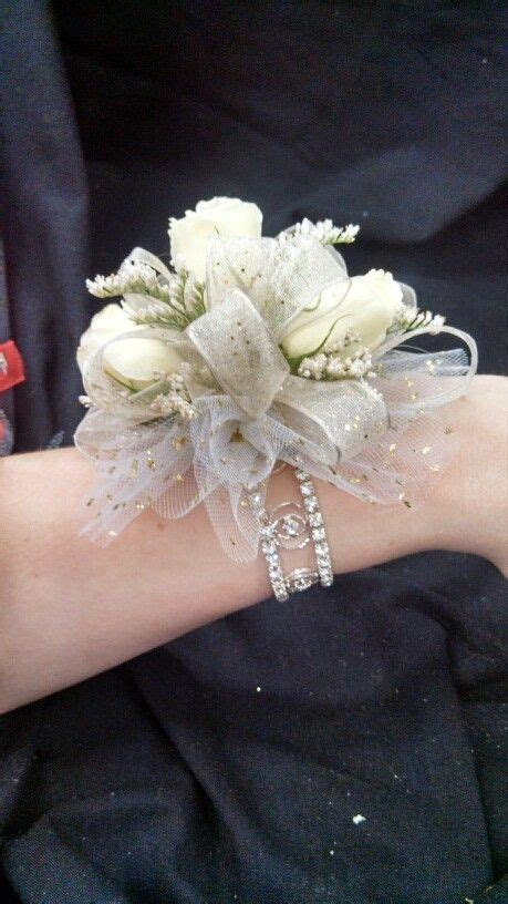 prom corsage ideas  biggest pinterest trends flare