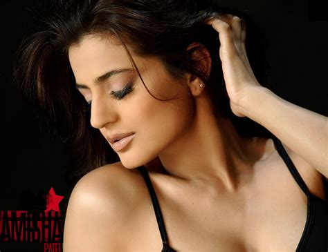 amisha patel hot wallpaper stills hot actress picx