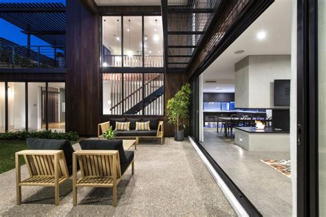 modern house modern mixtures contemporary house is perth has great Industrial