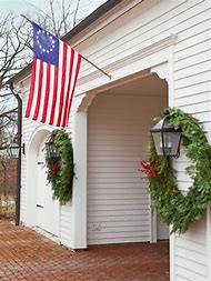 colonial house christmas decorations