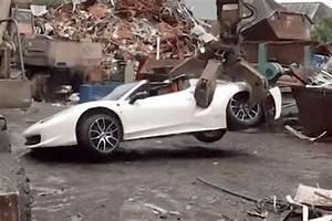Vendre Une Voiture à La Casse : quand la police saisit et detruit une ferrari 458 spider video ~ Gottalentnigeria.com Avis de Voitures