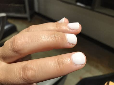 powder dip nails poor quality stick    chips