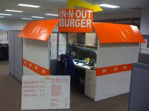 scary cubicle decorating ideas best 25 cubicle ideas on