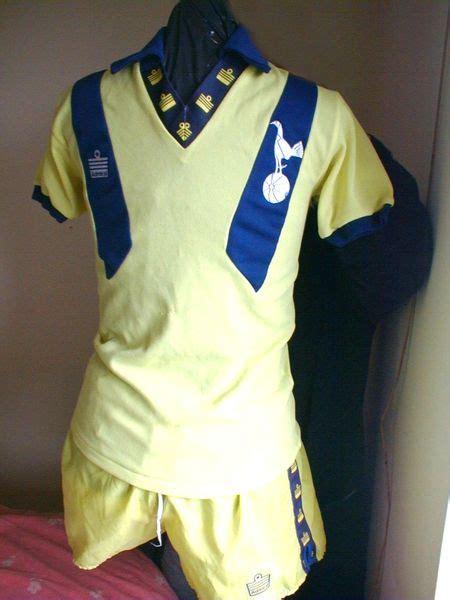 Tottenham Hotspur Away football shirt 1977 - 1980. Added ...