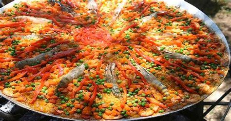 cuisiner blanc de poulet recette pour une paella géante espagne facile