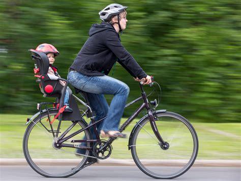 siege velo decathlon german bike culture biking with babies germany