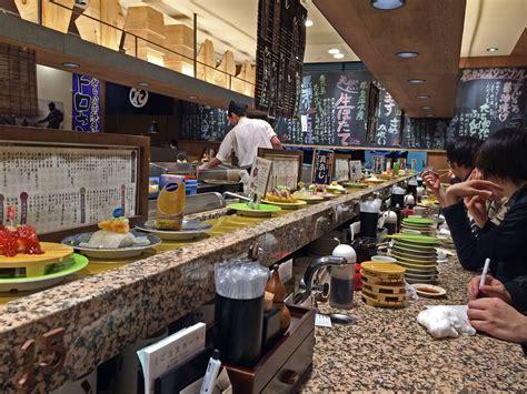 restaurant japonais tapis roulant les sushi d hokka 239 do du restaurant hanamaru de tokyo whisky japonais