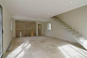 maison en pierre interieur avec carrelage au sol deco With pierre pour sol interieur