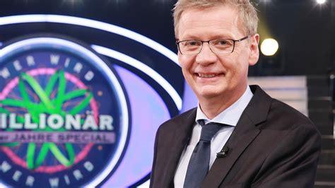 """It is shown on the german tv station rtl on mondays and fridays at 20:15 (utc+1). """"Wer wird Millionär?"""": Einer DIESER Kandidaten wird heute ..."""