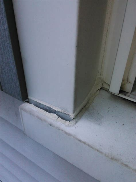 Caulking Window Sills by Repairing Cracked Caulk Around Exterior Window Trim