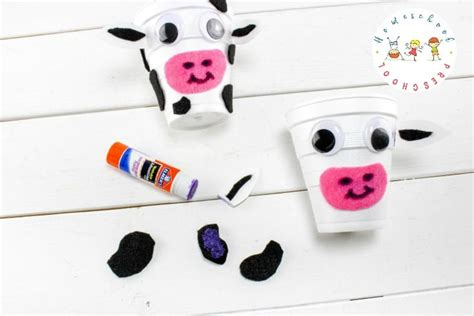 how to make a simple cow craft for preschoolers 700 | easy cow craft for kids