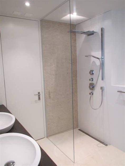 Bad Mit Begehbarer Dusche by Begehbare Duschen Badezimmer Bauarena In 2019 Bad
