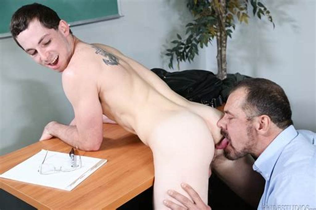 #Max #Sargent #Gives #Toby #Springs #Virgin #Ass #A #Deep #Intimate