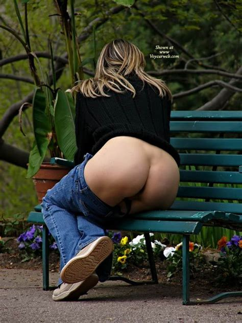 Milf Exposing Hot Ass On Park Bench May 2007 Voyeur
