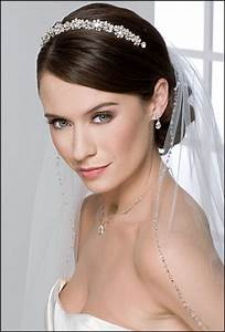 Short Wedding Hairstyles With Tiara And Veil Hollywood