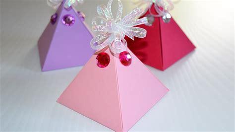 Comment Fabriquer Une Boite Comment Fabriquer Une Boite Cadeau Facile Diy Boite En Papier Pyramide