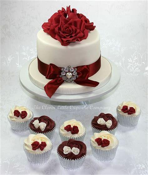 1000 Ideas About White Wedding Cakes On Pinterest