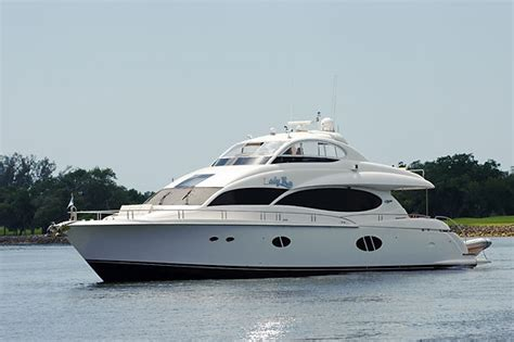 Boat Show Ta Fl by Hmy Yacht Sales Boat And Yacht Companies On Display