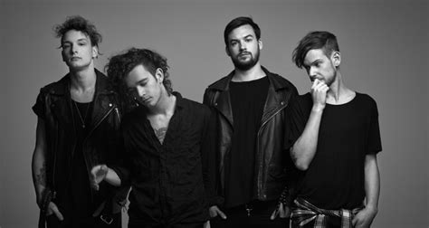 After Skipping Spotify, The 1975 Gets A Number 1 Album