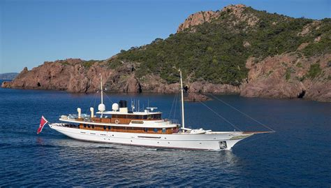 jk rowling  reportedly selling   yacht yacht harbour