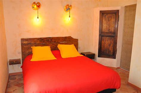 hotel avec dans la chambre pyrenees orientales chambres d h 244 tes la tour du terroir chambres d h 244 tes 224