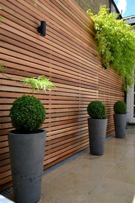 Sichtschutz Garten Design by Holzzaun Und Sichtschutz Aus Holz Im Garten Bauen