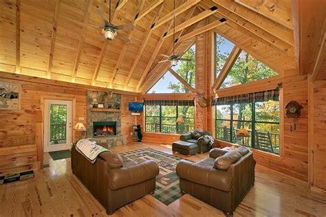 summit cabin rentals bama s den by summit cabin rentals pigeon forge