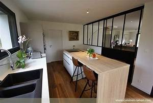 une cuisine avec verriere l39atout charme d39une cuisine With table pour cuisine etroite