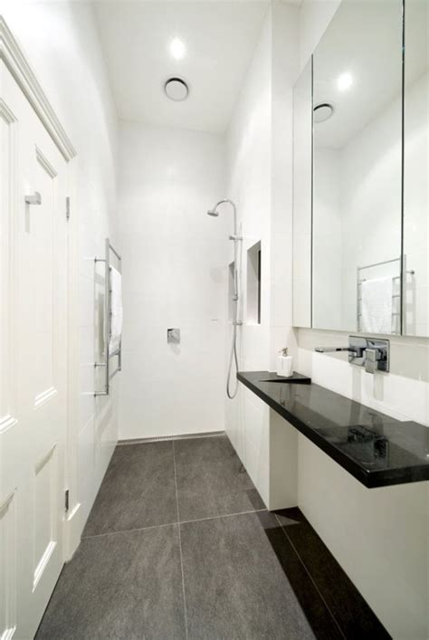 Bad Klein Modern by Small Narrow Bathroom Layouts With Shower Tiny Modern