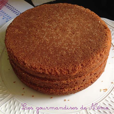 decorer un gateau en pate a sucre g 226 teau simple en p 226 te 224 sucre vanille et curd framboise les gourmandises de n 233 mo