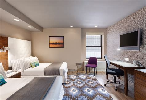 gallivant times square deluxe hotel guest rooms