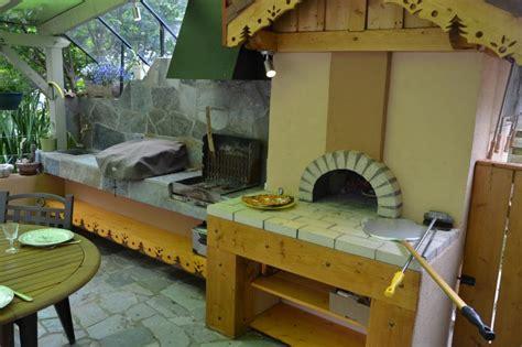 cuisine au feu de bois davaus modele cuisine feu de bois avec des idées