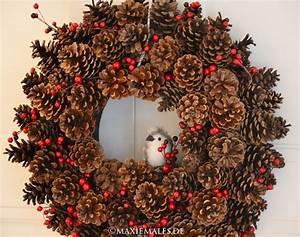 Hang Christmas Lights Up Or Down Türkranz Aus Tannenzapfen Basteln Mit Kindern