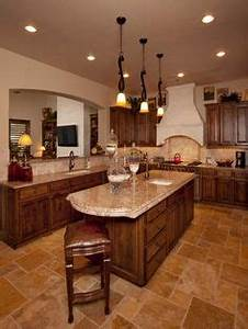 #Kitchen of the Day: A warm Tuscan kitchen with rich