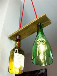 Led Flaschen Beleuchtung Selber Bauen : pendellampe aus flaschen mit paletteholz selber machen anleitung lampen lampen selber ~ Watch28wear.com Haus und Dekorationen