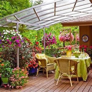 schoner garten und toller balkon gestalten ideen und With französischer balkon mit kleines holzhaus garten