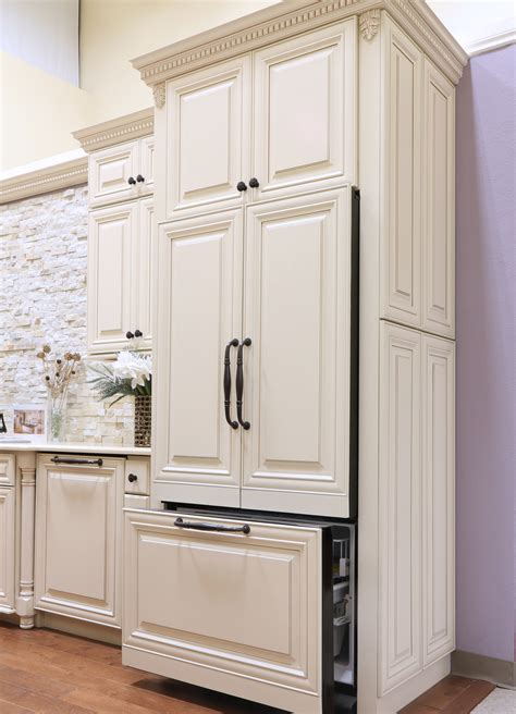 glazed kitchen cabinet doors cr 232 me maple glazed a7 3835