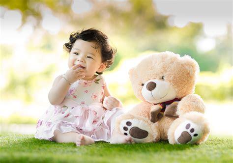 heartwarming baby  pexels  stock
