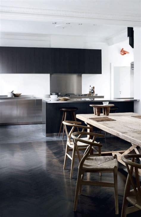 cuisine minimaliste design parquet opter pour un parquet foncé maison