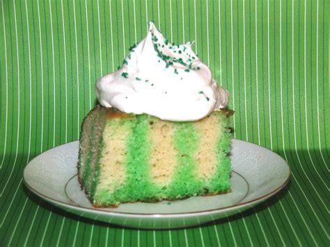 st patrickss day poke cake detroitmommiescom